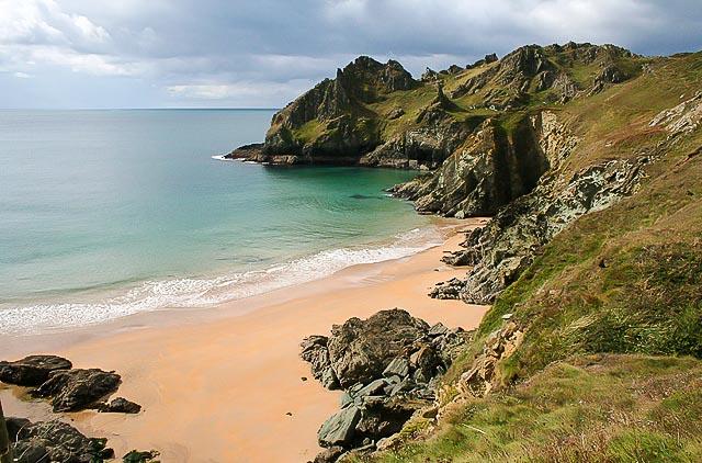 Scenic view of Elendor Cove and Gammon Head, South Devon